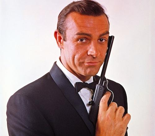 """Çünkü sadece iyi zaman geçirmek ve güzel bir casus filmi seyretmekse isteğiniz, her zaman için; """"Bond, James Bond""""..."""