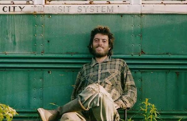 Film Christopher Johnson McCandless'ın gerçek hikâyesidir ve bu filmi çekebilmek için, Sean Penn on yıl boyunca karakterin ailesinden çekim izni beklemiştir.