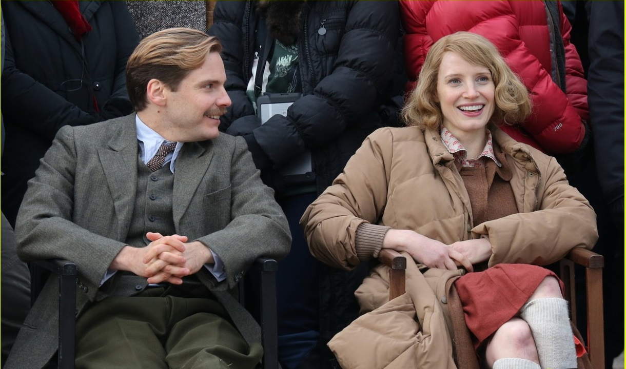 jessica-chastain-wraps-work-on-the-zookeepers-wife-04